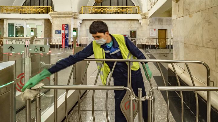 Международный преступник погорел на перчатках в метро Москвы. Злоумышленника разоблачила контролёр