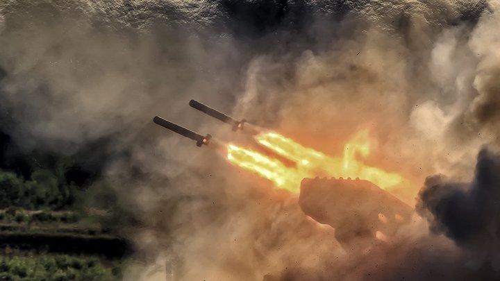 В России покажут, как уникальный Солнцепек испепеляет врага под прикрытием дымовых машин ТДА-3