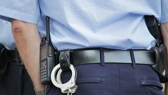 В Новгороде инспекторы ДПС при задержании нарушителя сломали ему протез руки