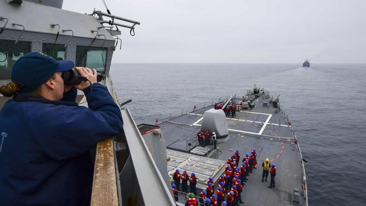 Отогнали наглеца: Коц показал бегство эсминца США
