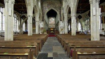 Британцы губят веру инновациями: Тысячи церквей оборудуют антеннами для раздачи интернета