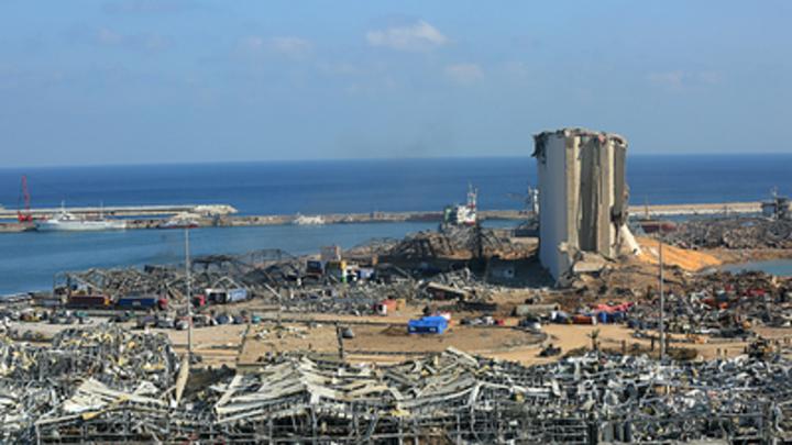Во взрыве в Бейруте обвинили... коррупцию: Премьер Ливана сделал заявление