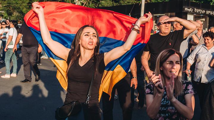 Армения, досрочные парламентские выборы могут принести неожиданность