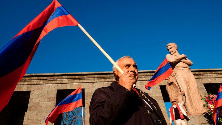 Армению подталкивают к суициду