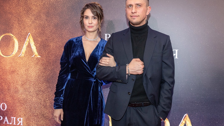 Упал сам или избили: Актёра Павла Прилучного госпитализировали в Москве