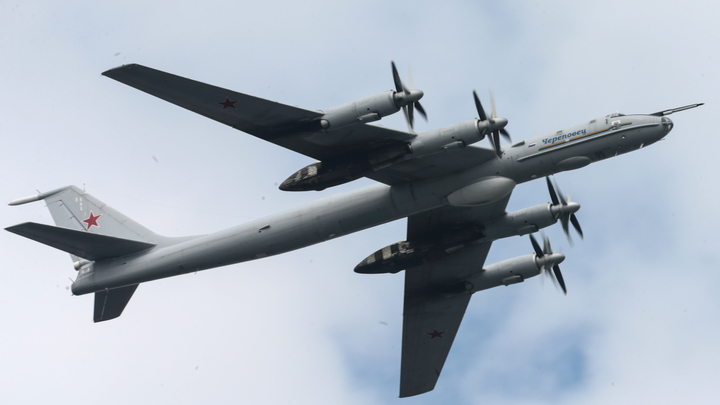 Норвегия и Исландия подняли истребители из-за пролёта российских Ту-142
