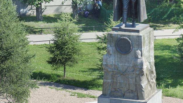 Смешались в кучу Иркутск и Колчак: Гаспаряна удивили попытки снести памятник адмиралу