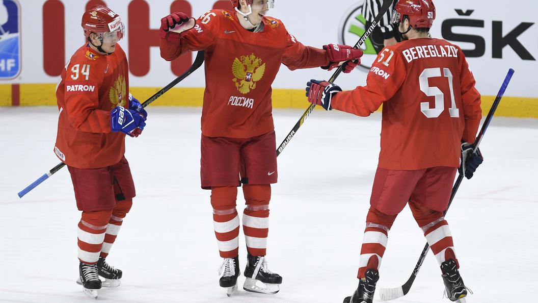 Русские и канадские хоккеисты пока играют вничью