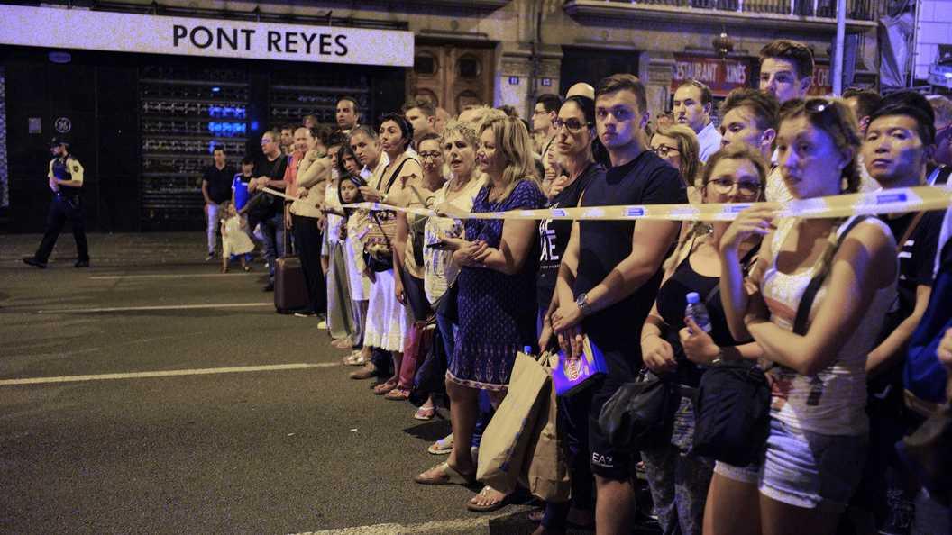 Австралийка стала очевидцем нападений встолице Англии, Париже иБарселоне— Пережить три теракта