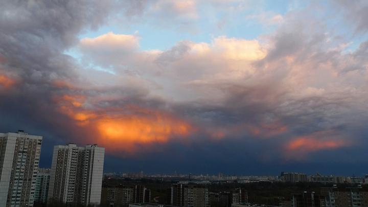 Всё как предупреждал Кадыров: По Кавказу ударил мощный ураган, с домов срывает крыши