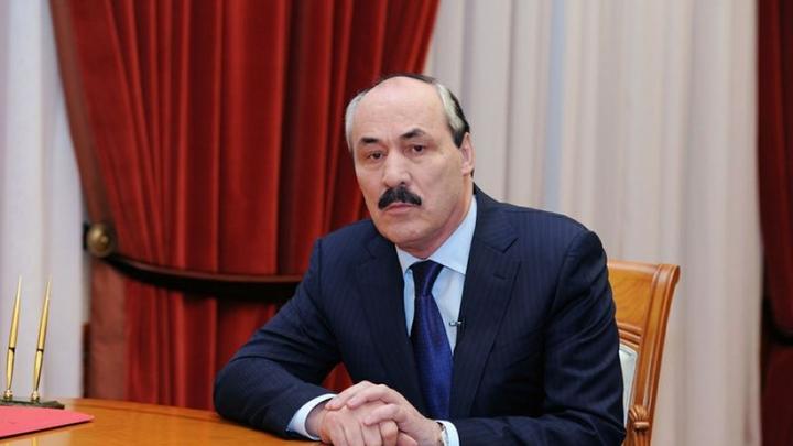 Абдулатипов упрекнул Москву в вывозе денег из Дагестана и пригрозил взрывом