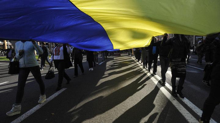 Украинский парад назвали показухой для Зеленского