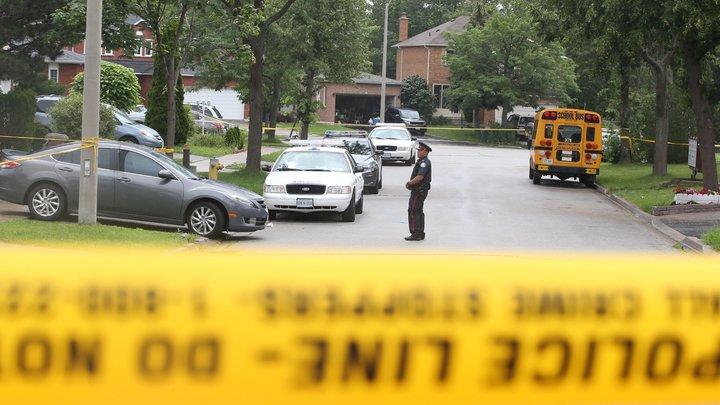 На Западе снова стрельба: В Канаде в перестрелке с автоугонщиком погиб полицейский