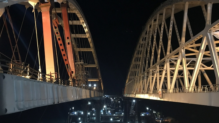 Киев угрожает строителям Крымского моста натравить на них США и ЕС