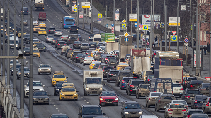Права могут оставаться на руках у водителей-наркоманов: о дыре в системе рассказал автоэксперт