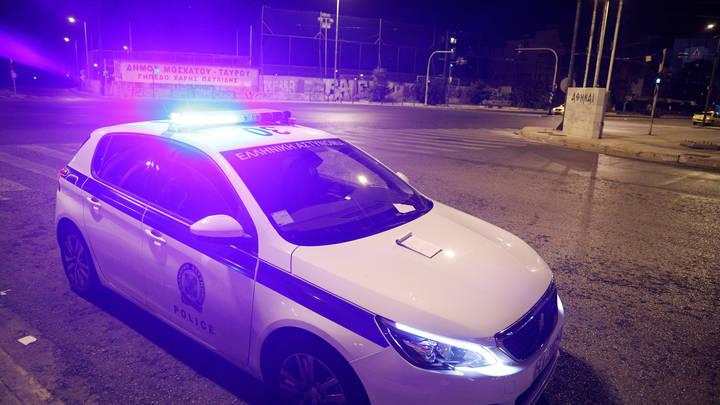 Полиция Греции разгоняет COVID-диссидентов гранатами