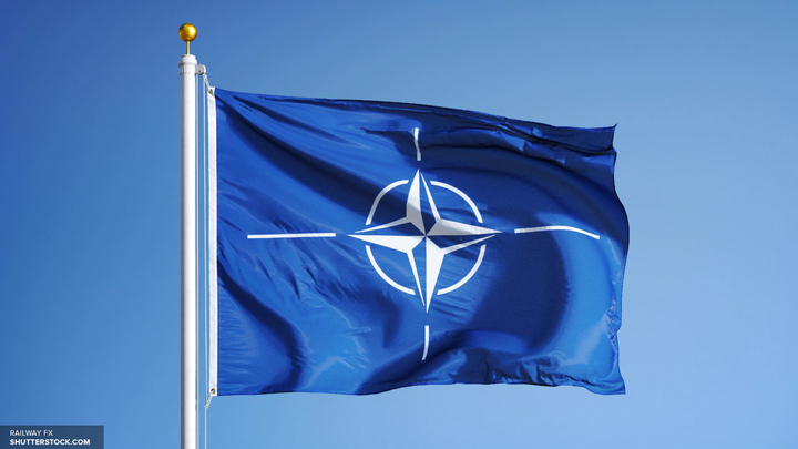 Генсек НАТО приветствовал победу Макрона