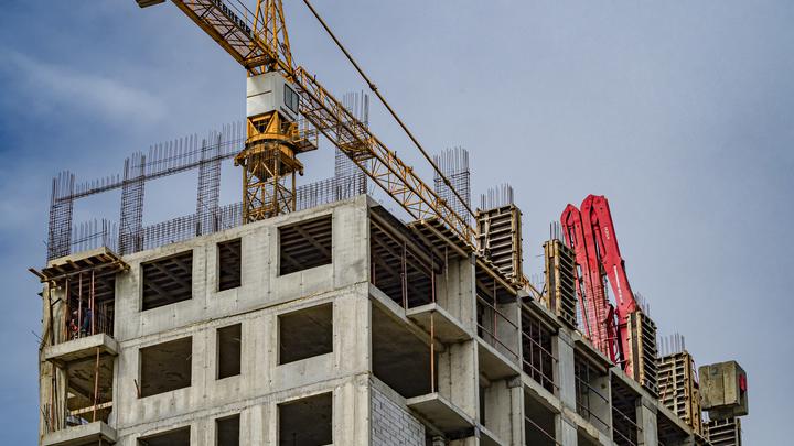 Собянин пообещал лишить работы строителей, сдающих жилье без школ и детских садов