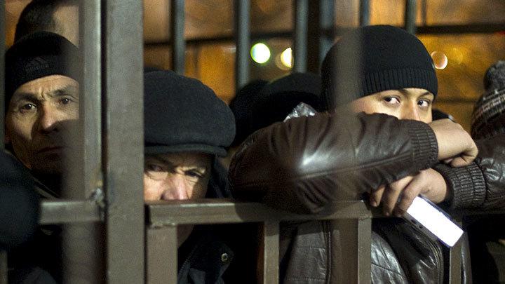 Мигранты в Москве толпой победили полицию. Генералы начали зачистку
