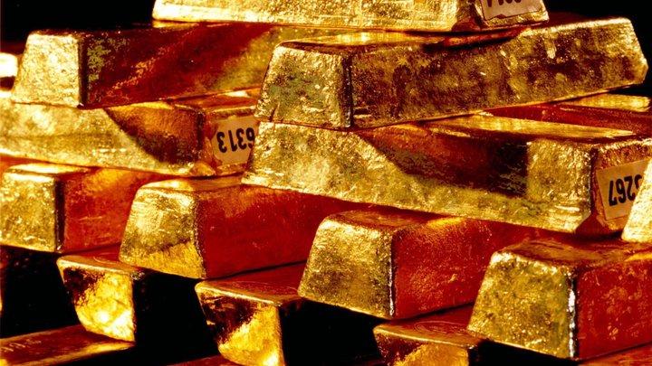 Цены на золото пошли вниз из-за политических новостей