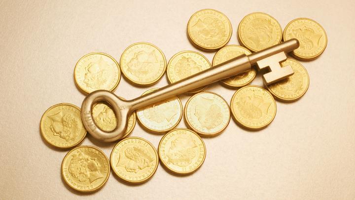 Цены на золото незначительно упали
