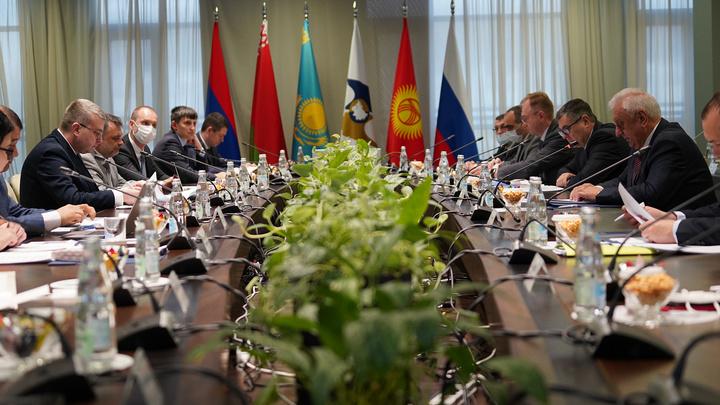 В Бресте озвучили сроки подписания договоров о создании единых рынков нефти и газа в ЕАЭС