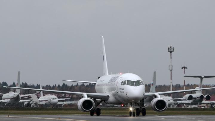 СМИ: Поставки российского самолета в Иран заблокированы Минфином США