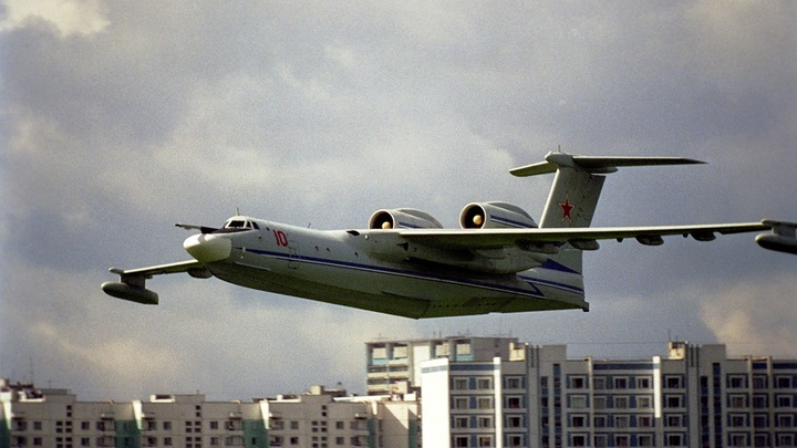 Российский самолет-амфибию Бе-200 оснастят украинскими двигателями