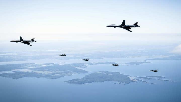 Уничтожим, в случае необходимости: Самолётам НАТО сделали предупреждение в Госдуме