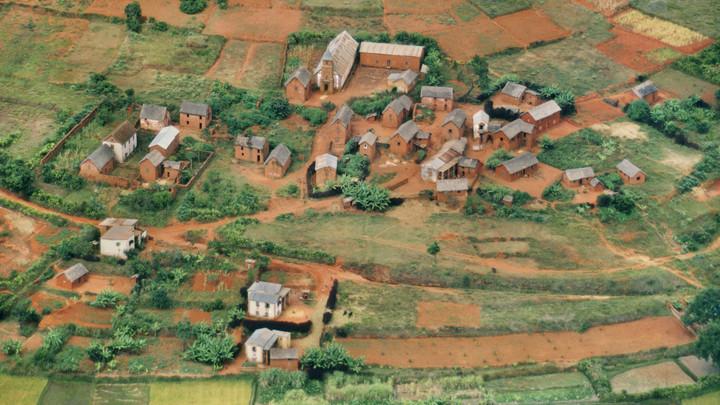 Самолет рухнул на Мадагаскаре, есть погибшие