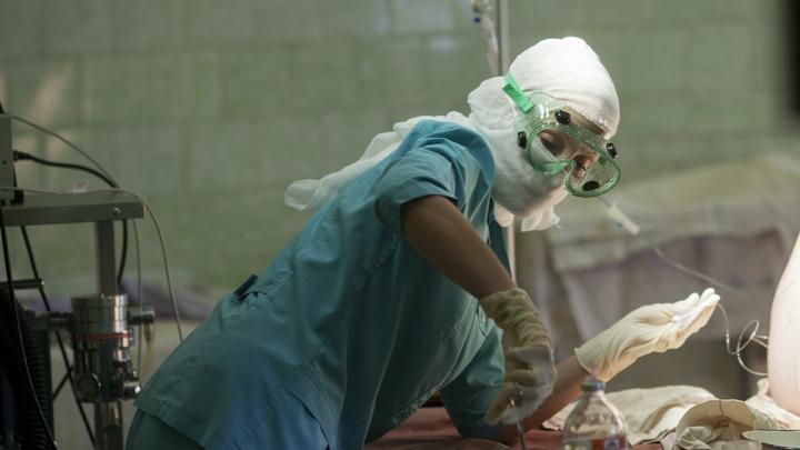 Врачи спасли трехлетнюю малышку от токсичной опухоли размером с кулак