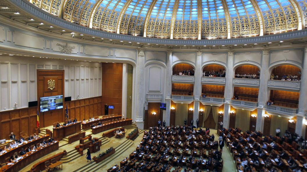 Премьер Румынии уходит вотставку