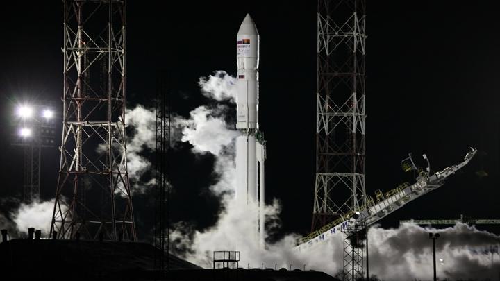 РКК Энергия налаживает связь со спутникомАнгосат