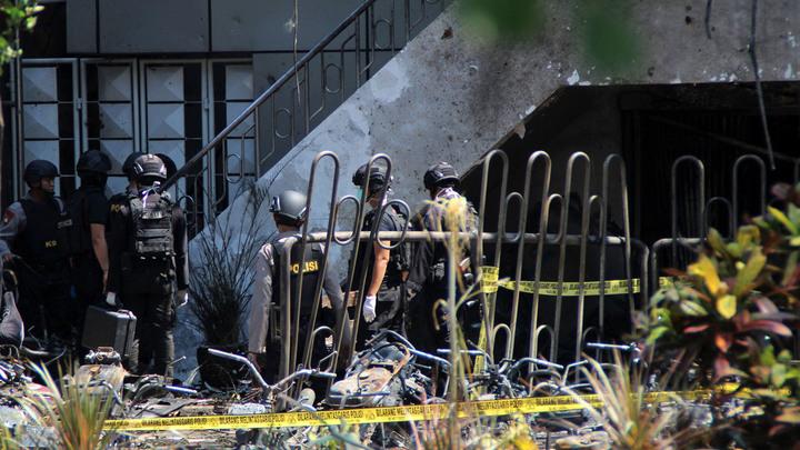 Новые взрывы прогремели в Индонезии