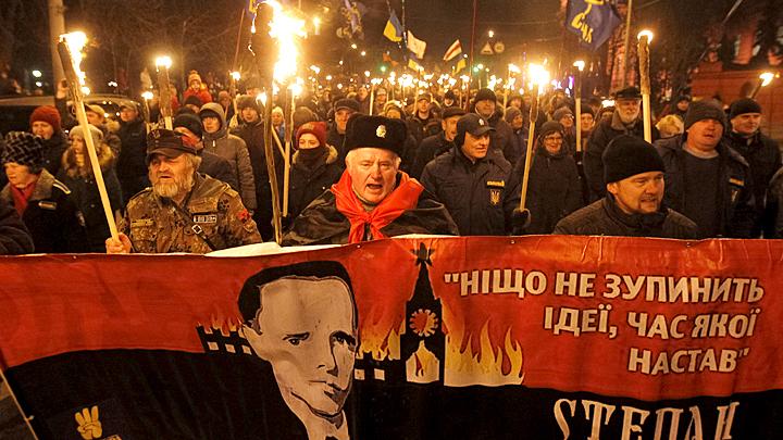Консервы с мощами Кобзона и из «Бессмертного полка»: На Украине пробили фашистское дно