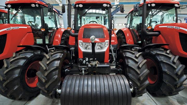 Следствие: Бывший директор КЭМЗ Лебедев продавал трактора по заниженным ценам