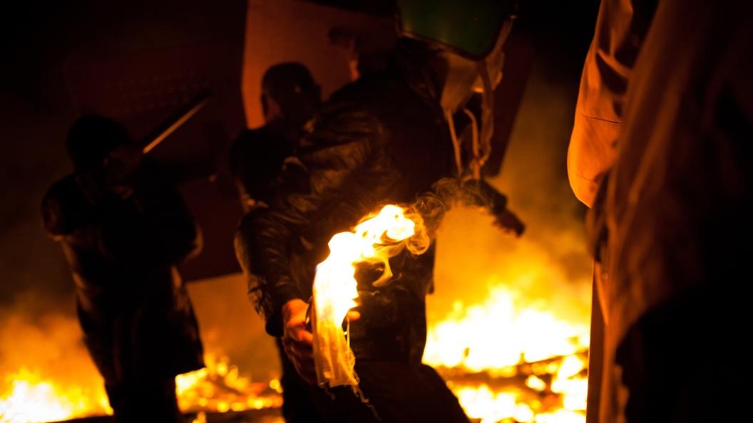 Радикалы во Львове бросили коктейль Молотова в синагогу