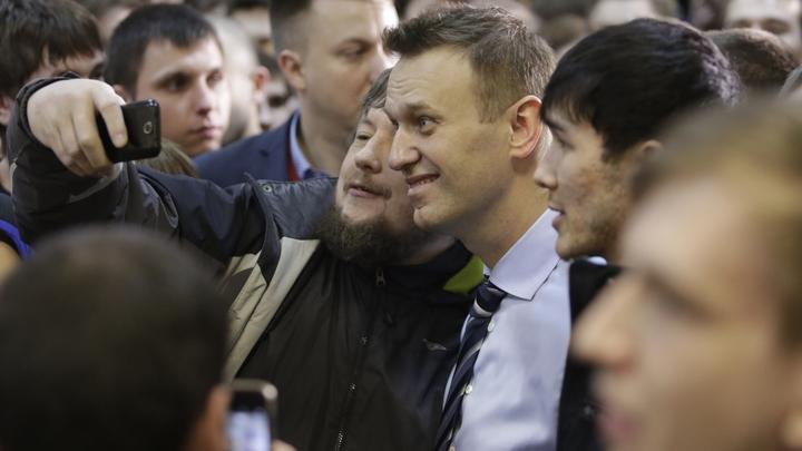 «Когда ты умственно отсталый и тебе смешно»: Шарий напомнил об очередной лжи команды Навального