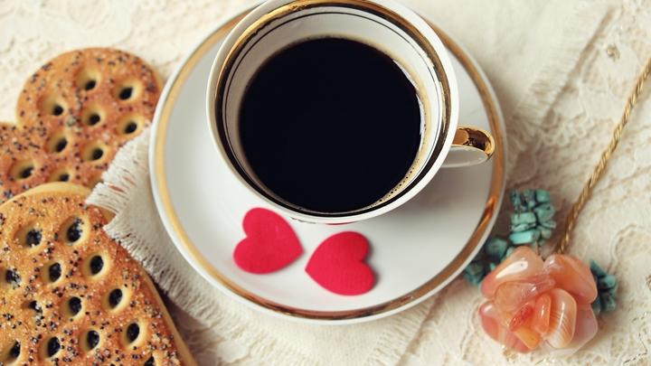 Сколько чашек кофе надо выпивать в день: Доктор Мясников рассказал всё о бодрящем напитке