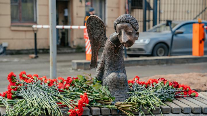 Второй фальстарт «Печального Ангела»: Комздрав тоже открыл памятник умершим врачам без организаторов