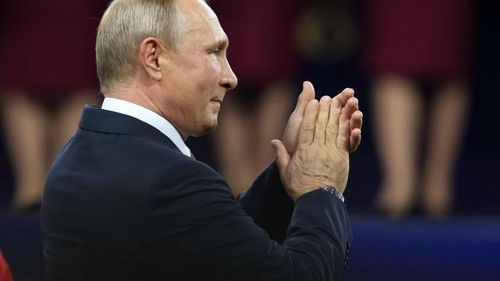 Совет чиновникам, спасение языков и доброта сердца: Путин поговорил с молодежью на форуме «Машук»