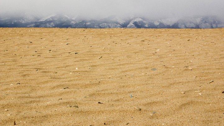 Украина насчитала убыток в $10 млн за вывезенный в Россию песок