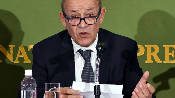 Глава МИД Франции: Польский закон о холокосте - смирительная рубашка национализма
