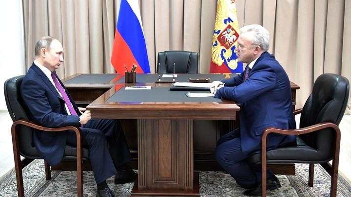 Оторванные от реальности качают права: Как губернатор Красноярского края Александр Усс символически плюнул в Путина - эксперты