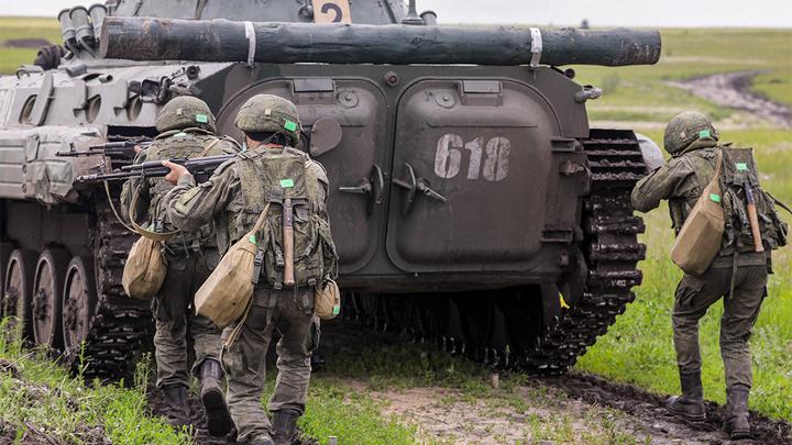 Россия прикрыта со всех сторон, и НАТО это бесит - Кнутов