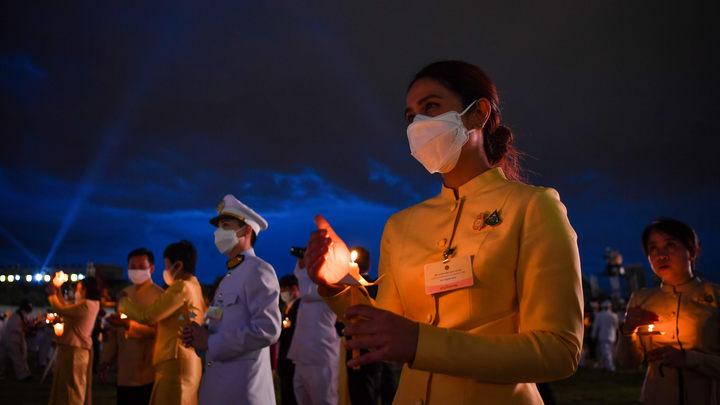 Короля Таиланда тайно госпитализировали с подозрением на коронавирус