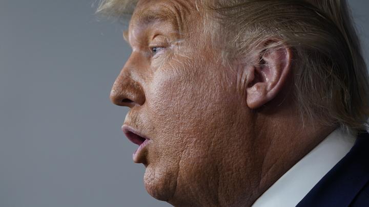 Лузер не спешит отчаиваться: Трампа поймали на видео после заявления Байдена о победе