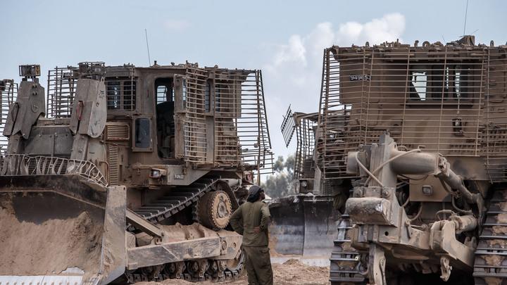 Израиль тайно перебросил бульдозеры и военных для сноса палестинской деревни - СМИ