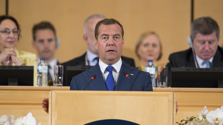 Полёты не выполняются, запуски переносятся: Медведев раскритиковал космическую корпорацию Рогозина