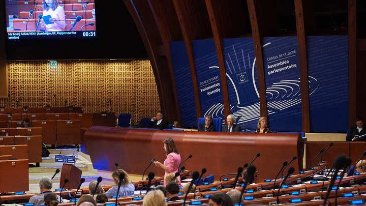 Украина пошла на бойкот ПАСЕ. Пока игнорирует только сессию